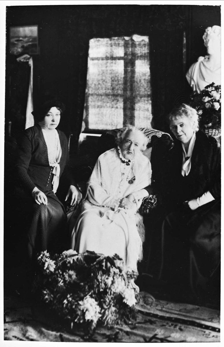 Aulestad, tre kvinner