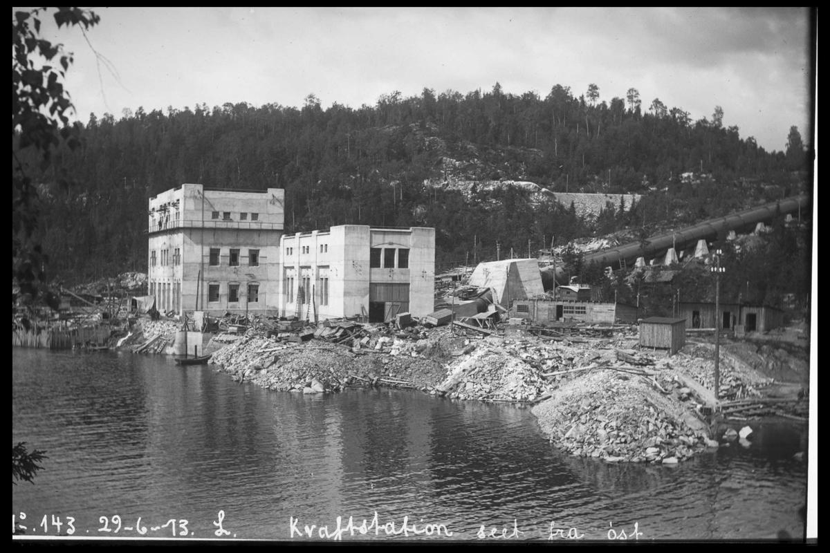 Arendal Fossekompani i begynnelsen av 1900-tallet CD merket 0010, Bilde: 12 Sted: Bøylefoss kraftstasjon i 1913