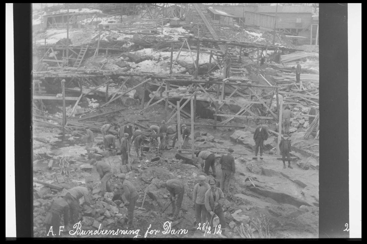 Arendal Fossekompani i begynnelsen av 1900-tallet CD merket 0469, Bilde: 4 Sted: Haugsjå Beskrivelse: Bunnrensk damfundament