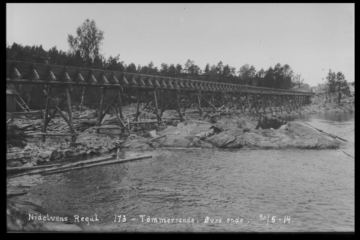 Arendal Fossekompani i begynnelsen av 1900-tallet CD merket 0474, Bilde: 20 Sted: Flaten Beskrivelse: Tømmerrenne
