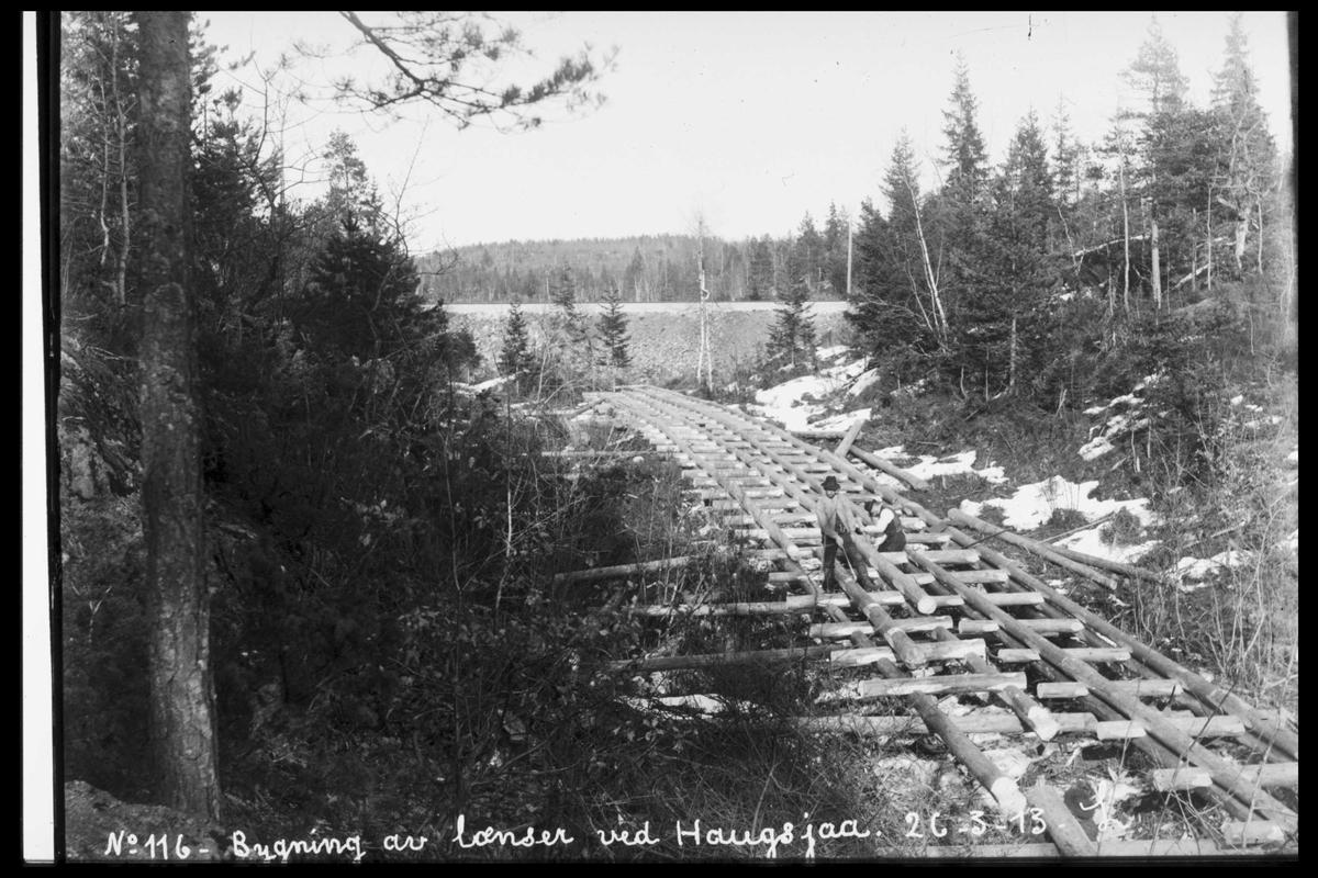 Arendal Fossekompani i begynnelsen av 1900-tallet CD merket 0565, Bilde: 12 Sted: Haugsjå Beskrivelse: Bygging av lenser
