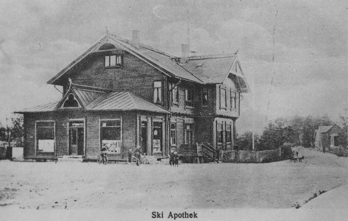 Bygningen hvor Ski apotek holdt til. Prospektkort. Vanaheim ved Ski apotek