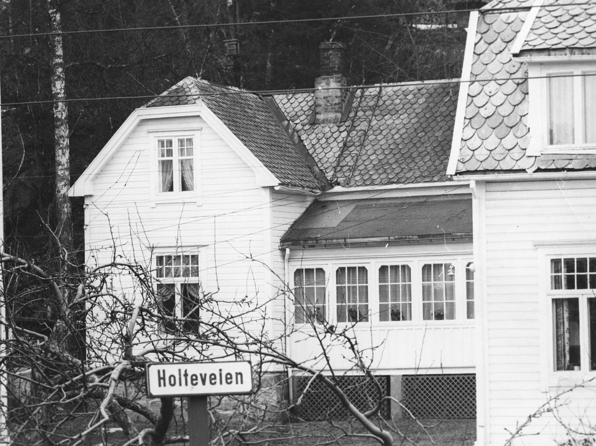 Stort hus i Folloveien. (ukjent)
