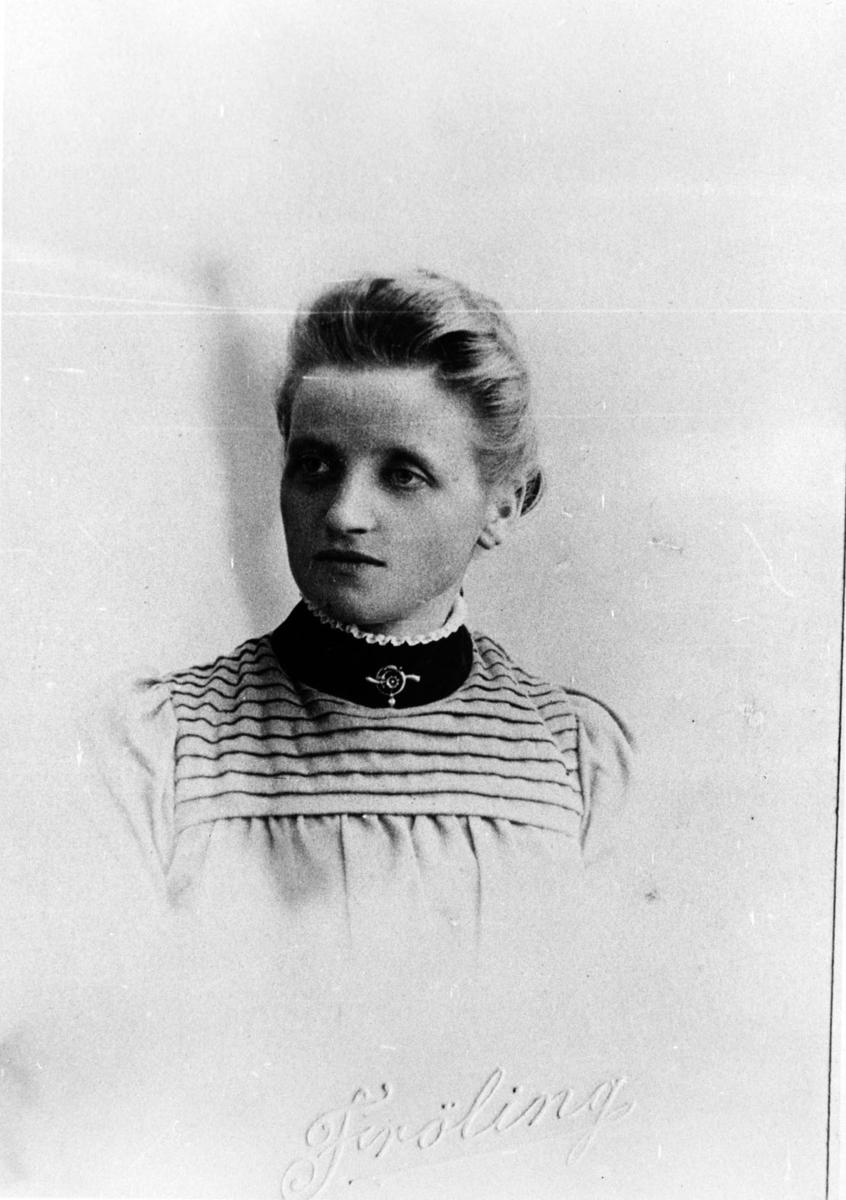 Marie Hauger g.m. Johan Kirkerud.