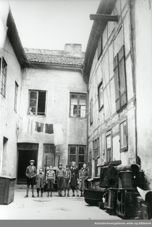 """Fra """"Braathengårdene"""" på Vaterland i Oslo under husleiekonflikten 1930-32."""