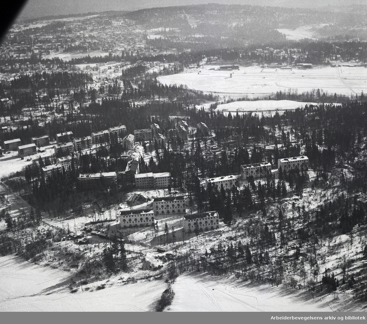 Flyfoto over Eiksmarka,.mars 1955..