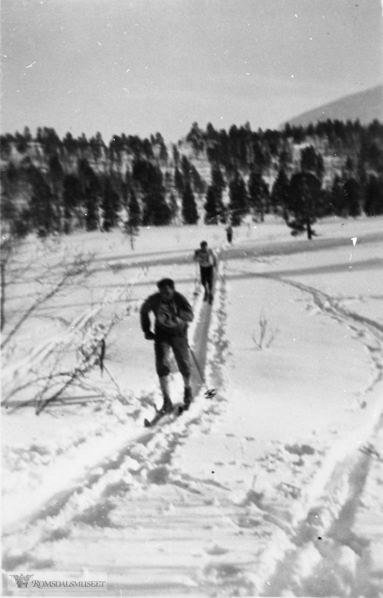 John Hammervoll under et skirenn på Istad i 1936/37 .