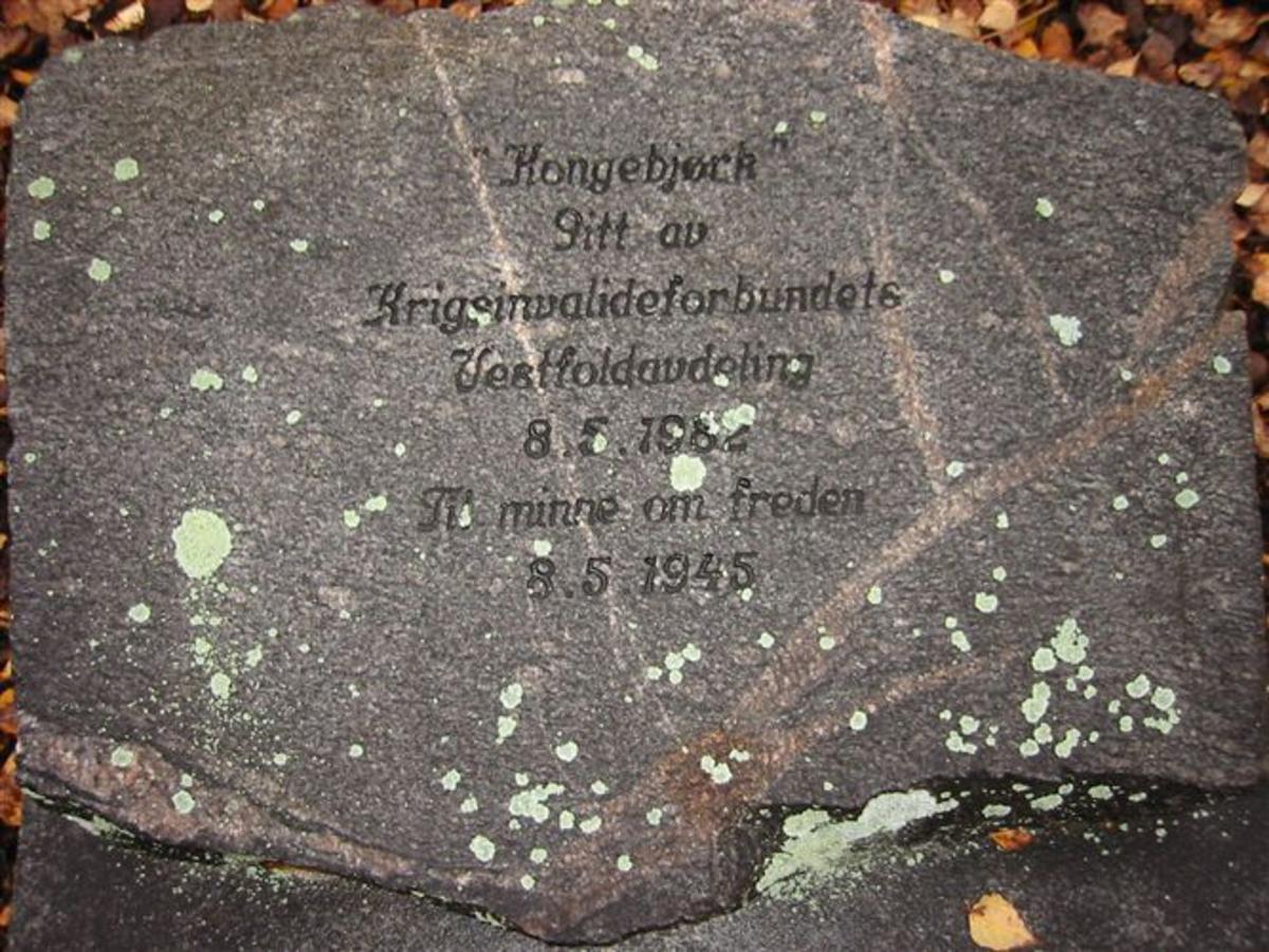 Stein fra Vestfold.Stein fra Vrådal, grunnmur gamle hotellet