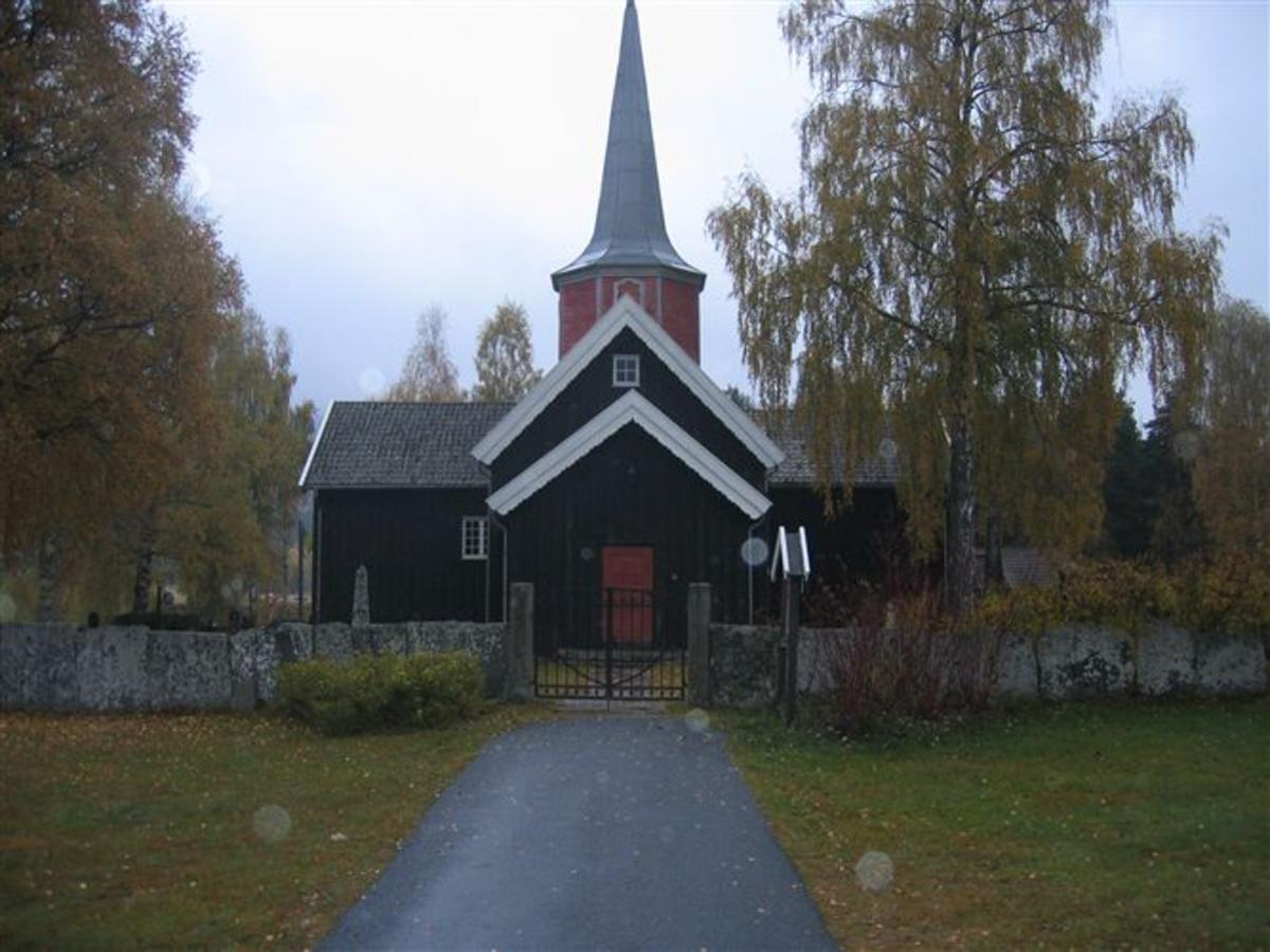 Den Russiske ambassade overfører hvert år et visst beløp til dekning av utgifter til å holde gravstedet ved like. Kjøreanvisning: Flesberg kirke. Kirken ligger ved Rv 40 i Flesberg sentrum.