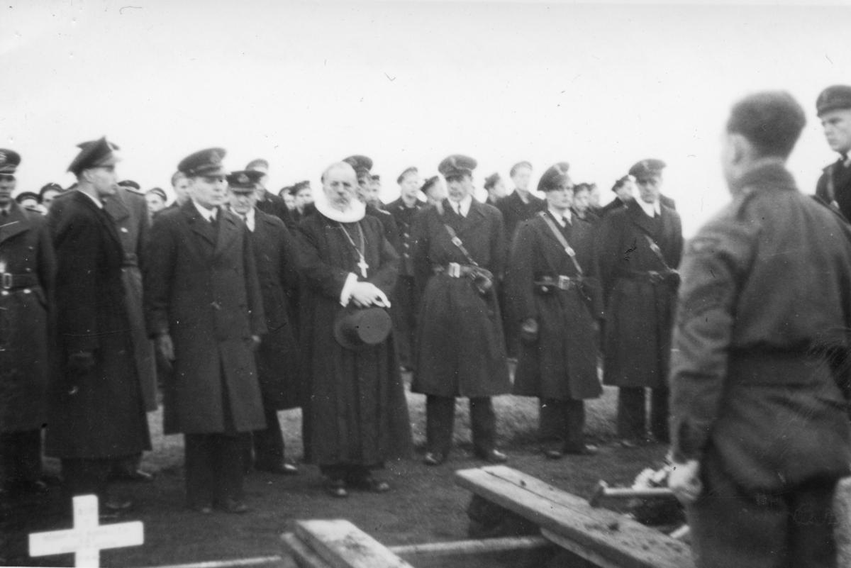 Fra en begravelse ved 330 skvadronens avdeling på Island.