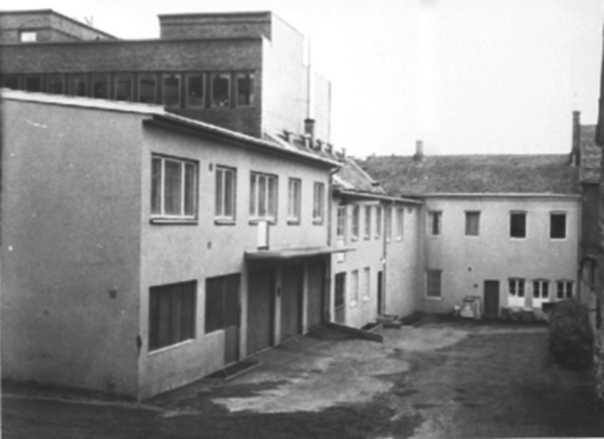 EKSTERIØR BAKGÅRD, STRANDGATA 63