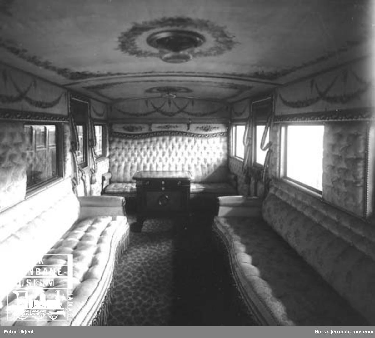 Interiørbilde fra Kongsvingerbanens kongevogn