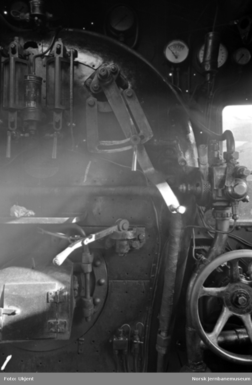 Damplokomotiv type 45a nr. 1 i Lodalen; interiør fra hytta