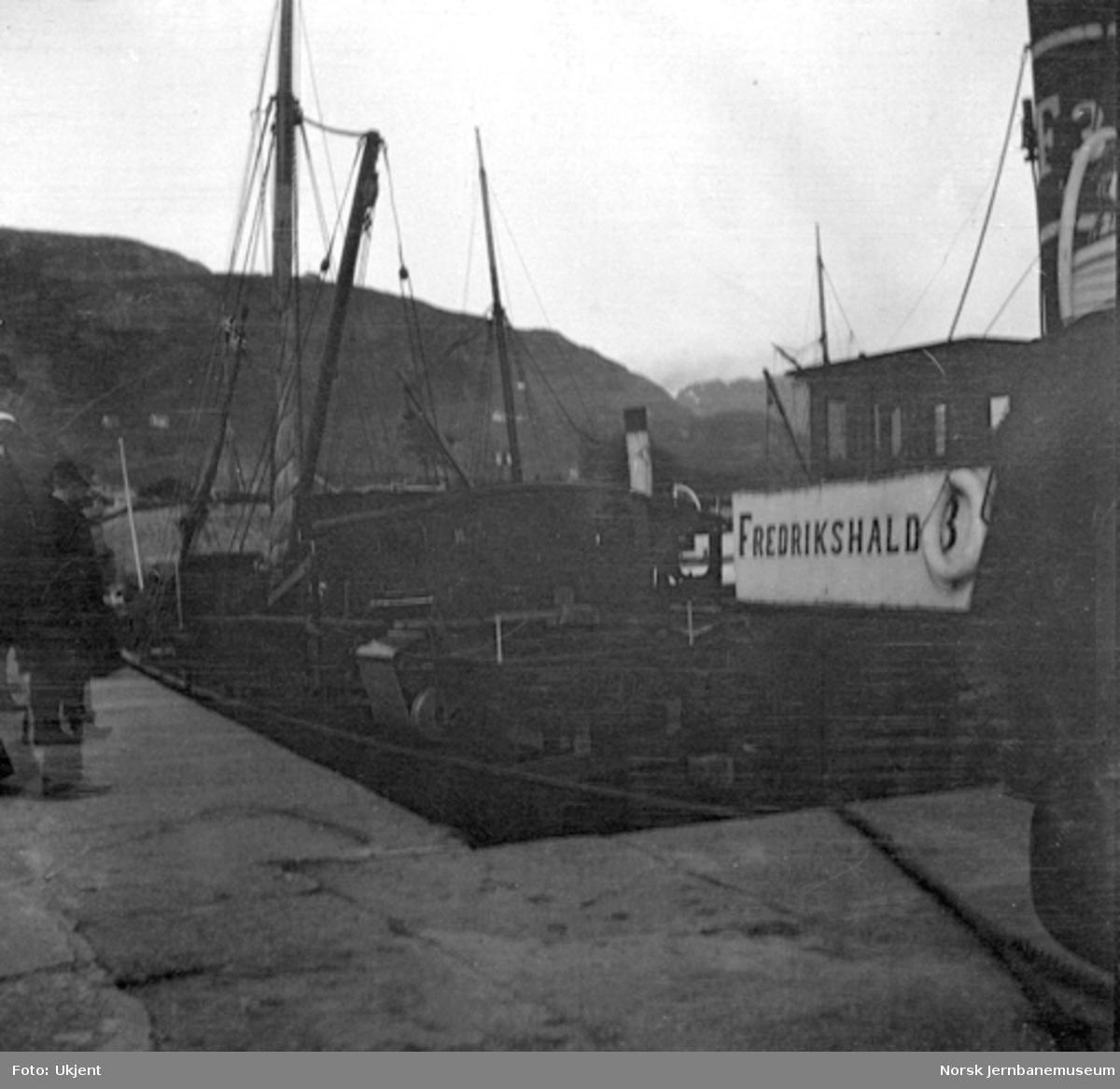 Normalspormateriell til Bergensbanen : ramme til damplokomotiv type 21a på D/S Fredrikshald