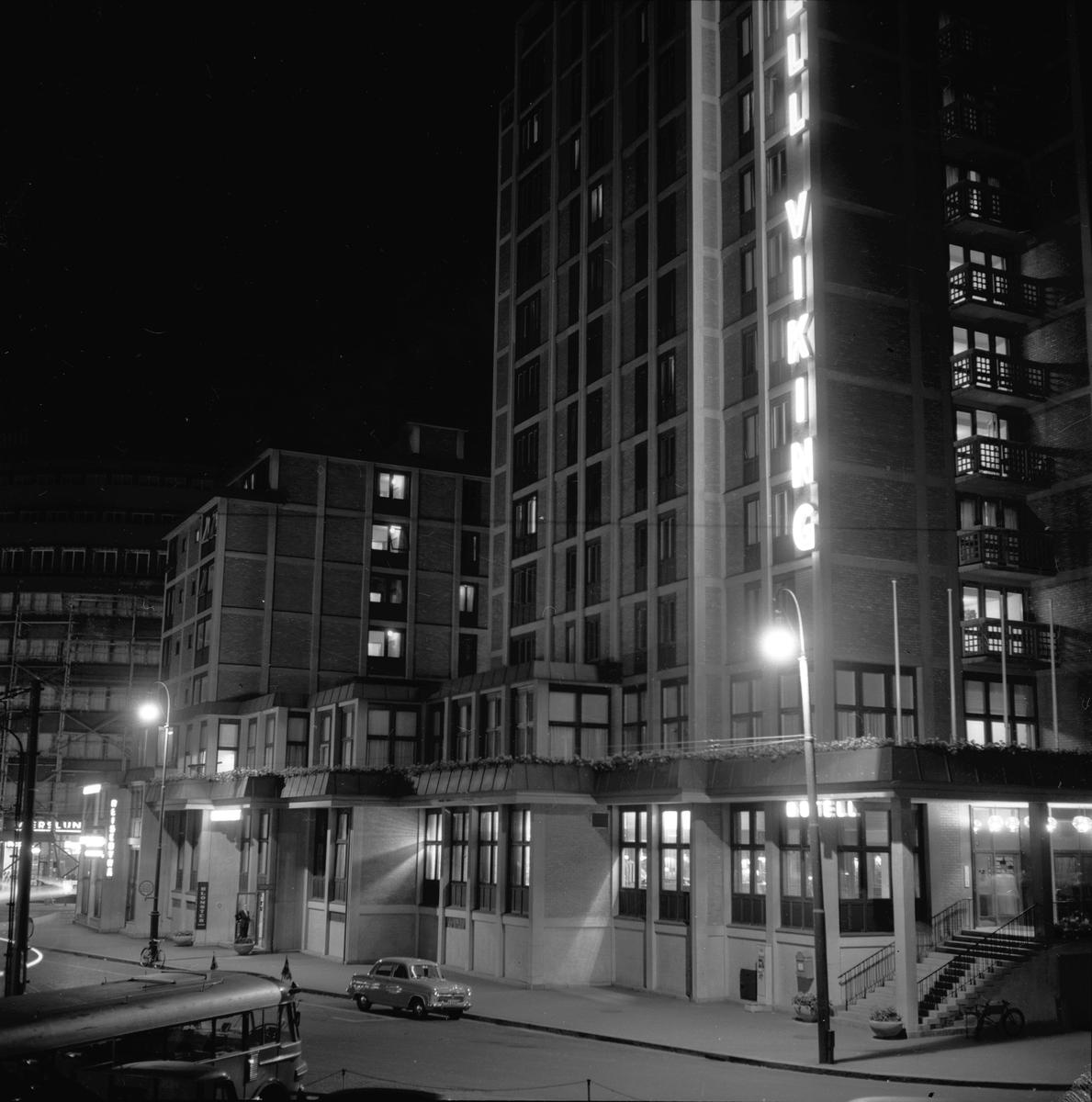 Biskop Gunnerus gate 3, Oslo, 1953. Hotell Viking. Gatebilde og bygninger.