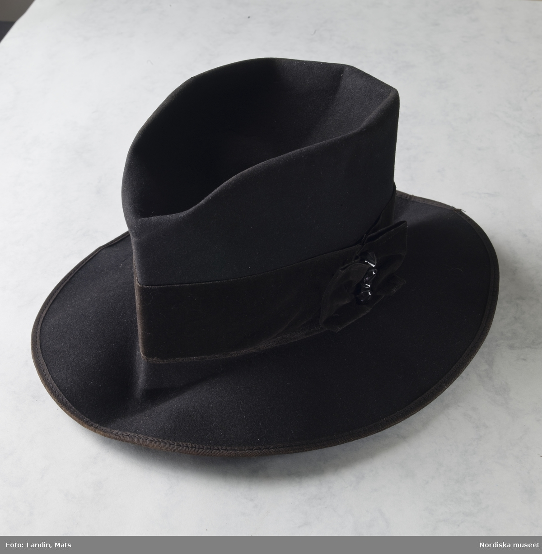 Carl Jonas Love Almqvists hatt, pipa,  glasögon och pennor