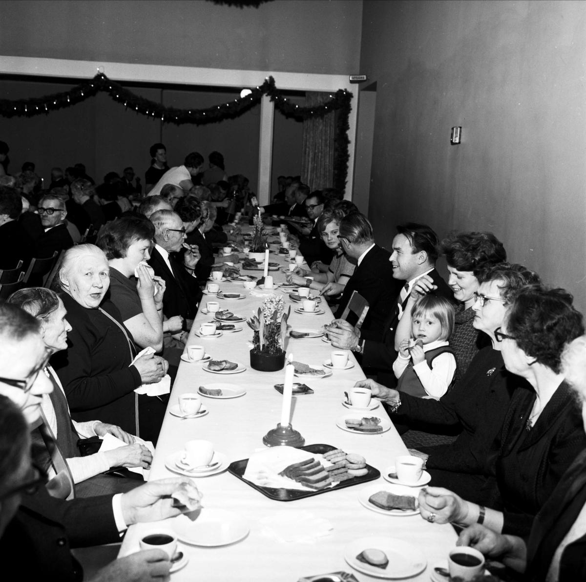 Söderfors pensionärsförening har fest i gamla skolan