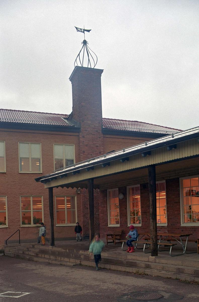 Bergaskolan, kvarteret Svärdet, Kåbo, Uppsala 1992