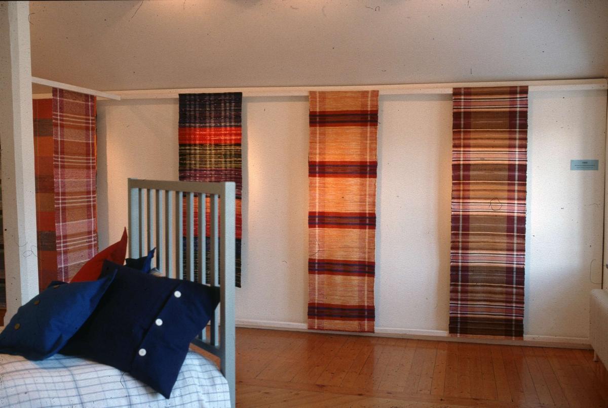 Mattor för moderna hem - utställning på Upplandsmuseet i Uppsala 1999