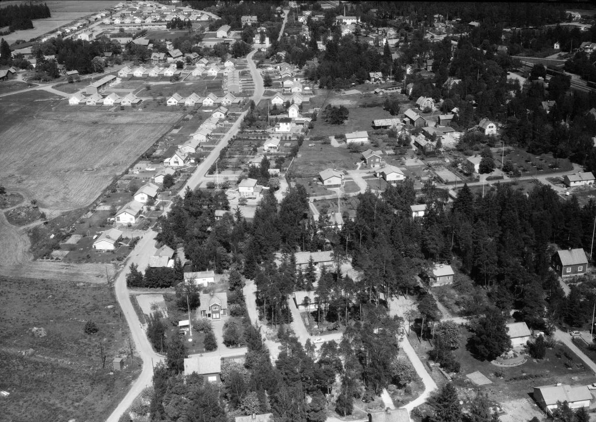 Flygfoto över Storvreta, Ärentuna socken, Uppland 1966