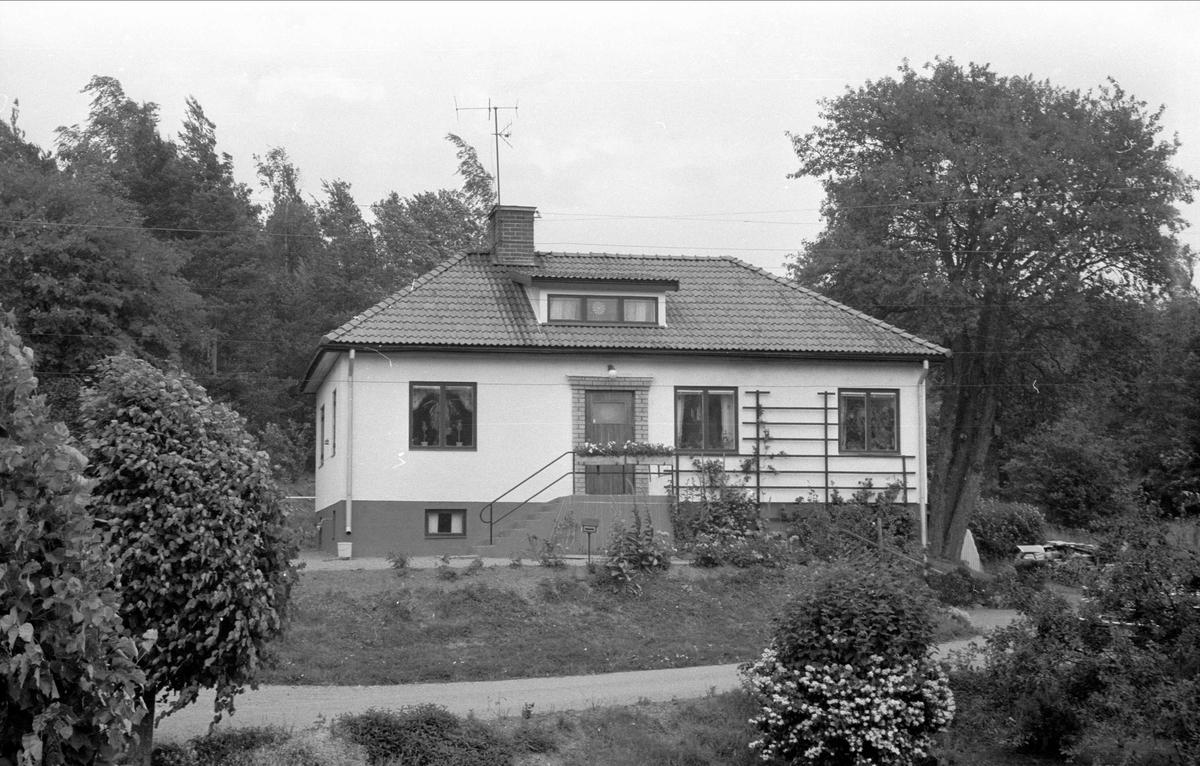 Villa, Högsta 4:14 och 4:15, Högsta, Bälinge socken, Uppland 1976