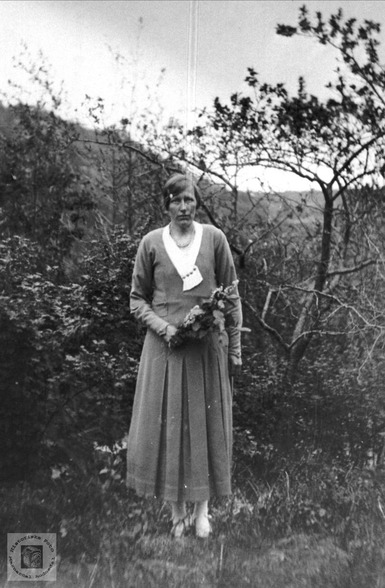Brudebilde av Agnes Tomine Breland, Øyslebø.