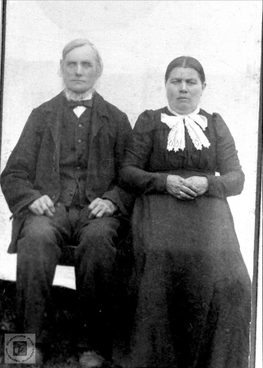 Ekteparet Ole og Oline Åkseth Øygard, Laudal.
