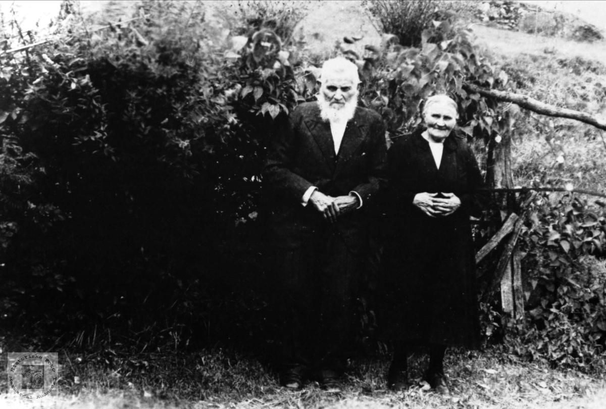 Søsknene Sven og Helga Ovedal.