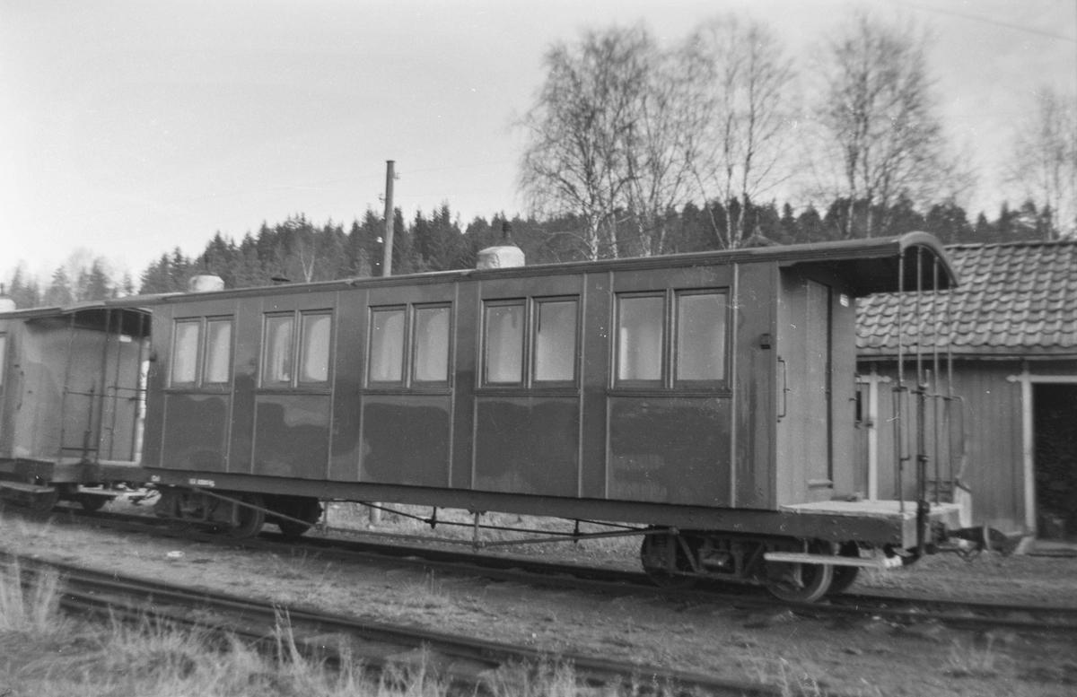 Personvogn Co 1 på Skulerud stasjon.