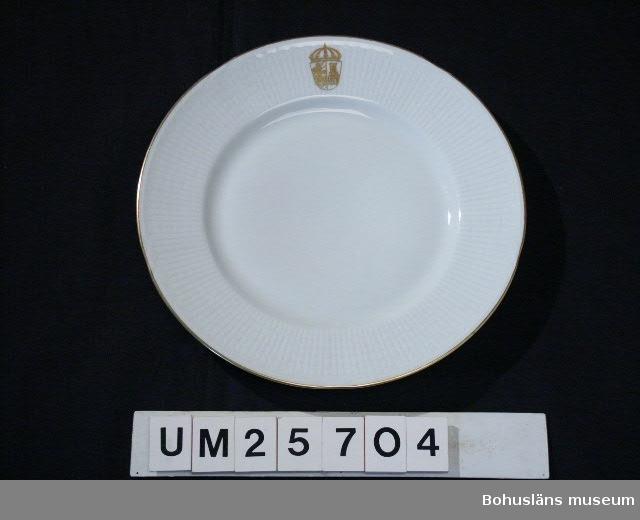594 Landskap VÄSTERGÖTLAND 394 Landskap VÄSTERGÖTLAND  Formgivare: Louise Adelborg. Tillkomst-, formgivning och dekor samt användningshistoria se UM25703.