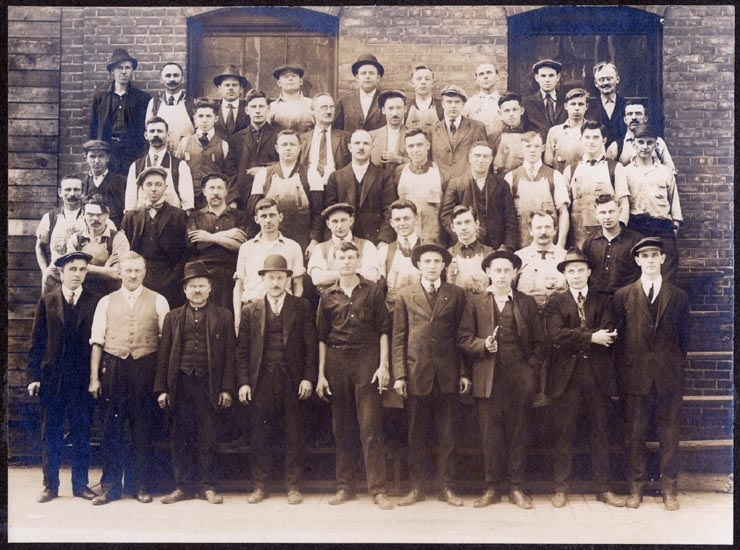 Text på bildens baksida, skrivet med blyertspenna: d 8 Oct 1916