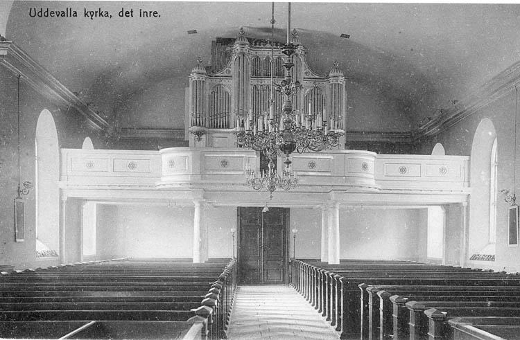 """Tryckt text på bilden: """"Uddevalla kyrkan, det inre. """"  ::"""