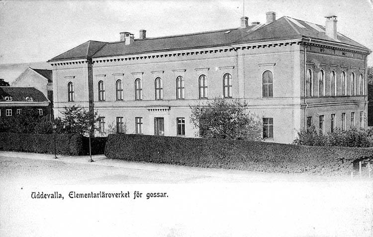 Uddevalla, Elementärläroverket för gossar. ::