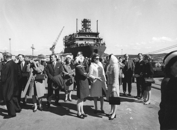 Dop fartyg 218 OBO Havmöy. Sjösättes vid Sörvik utan publik och döptes senare vid Kasen.