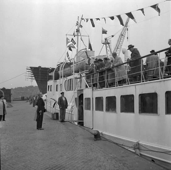 Besök, Columbianska handelsdelegationen ombord på ett fartyg.  Gustav B. Thordén på kajen.
