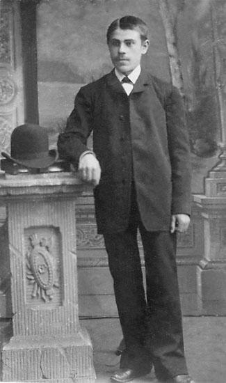 """Stämpel på framsidan: """"John O. Olsson, Karlshamn."""" Stämpel på baksidan: """"John O. Olsson, Karlshamn, Ronnebygatan 20."""""""