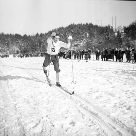 """Enligt notering: """"Skidor Fasseröd 23/2 -58""""."""