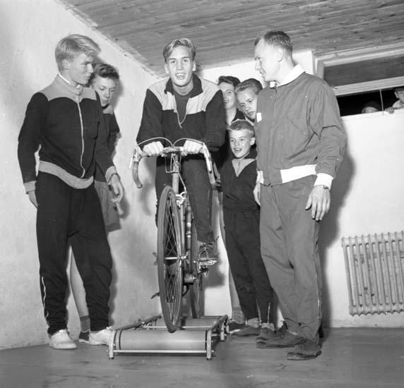 """Enligt notering: """"Uddevalla Cykelklubb 28/9 -59""""."""