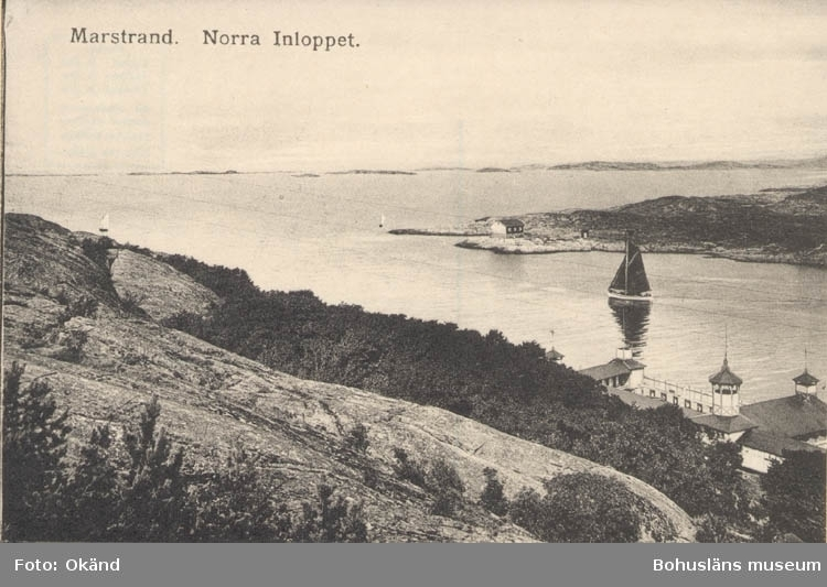 "Tryckt text på kortet: ""Norra Inloppet, Marstrand.""  ::"