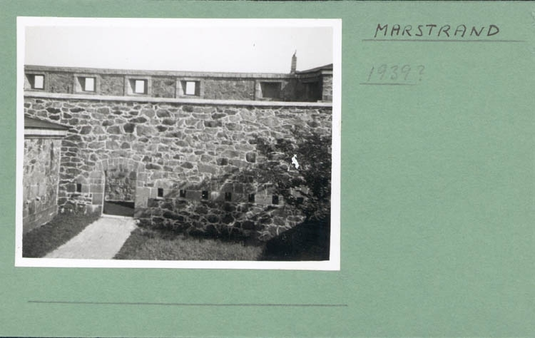 """Noterat på kortet: """"Marstrand. 1939?"""" ::"""