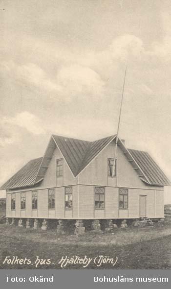 """Tryckt text på kortet: """"Folkets hus. Hjälteby (Tjörn).""""  ::"""