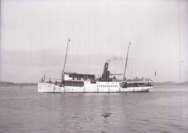 """Enligt text som medföljde bilden: """"Albrektsund""""."""