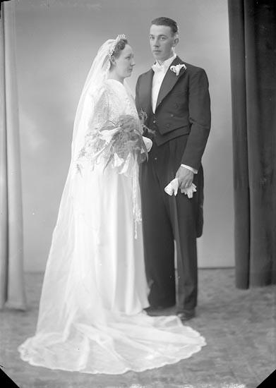 """Enligt fotografens journal nr 6 1930-1943: """"Amberntsson, Erland, St. Höga""""."""