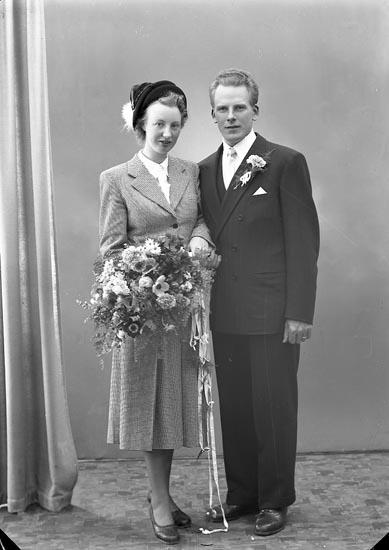 """Enligt fotografens journal nr 7 1944-1950: """"Johansson, Fru Ingegerd adr. Fru Hjärn Här""""."""