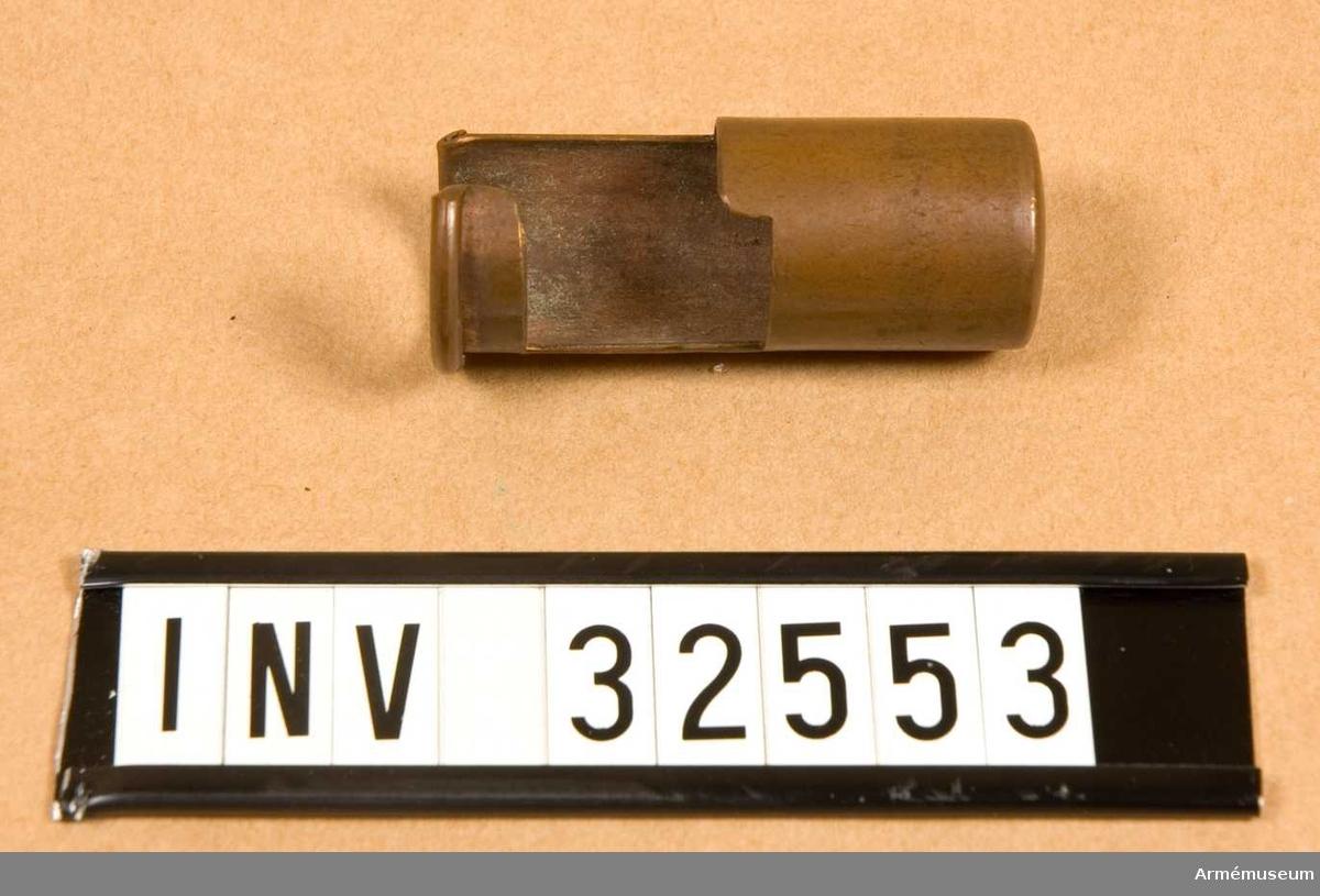 Grupp E II Mynningshylsa, 8 mm  Samhörande nr AM.32551-3