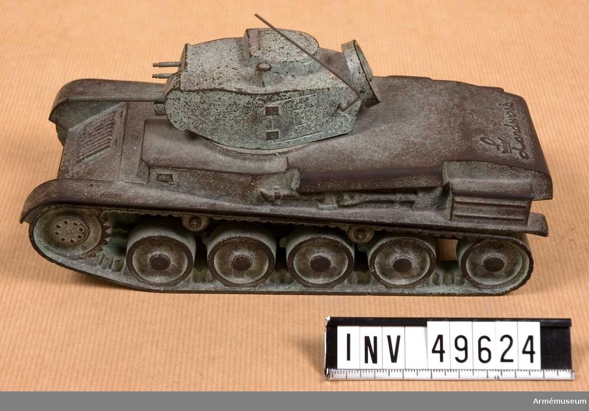 Grupp E XII. Bestyckning: 37 mm kan 2 kulsprutor.