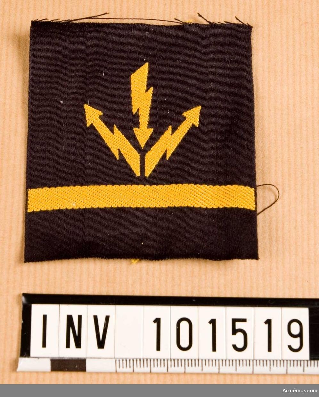 Gradbeteckning: Telegrafist, stamanställd, II klassens sjöman, marinen.