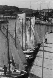 Badgästseglare i Strömstad på 1940-talet