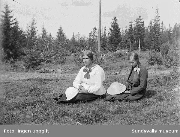 Systrarna Gunda (g. Larsson) och Linnea (g. Westberg) Nordgren, döttrar till Anna och Lars Nordgren.