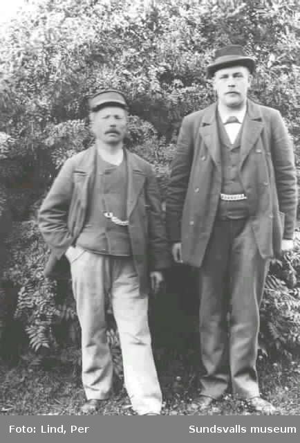 Alby 1898. Två män.